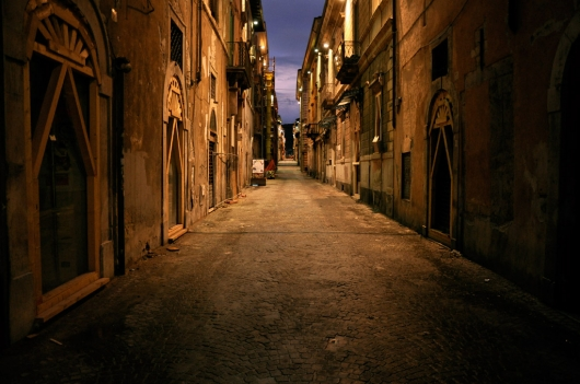 laquila_centro_night_vetrine
